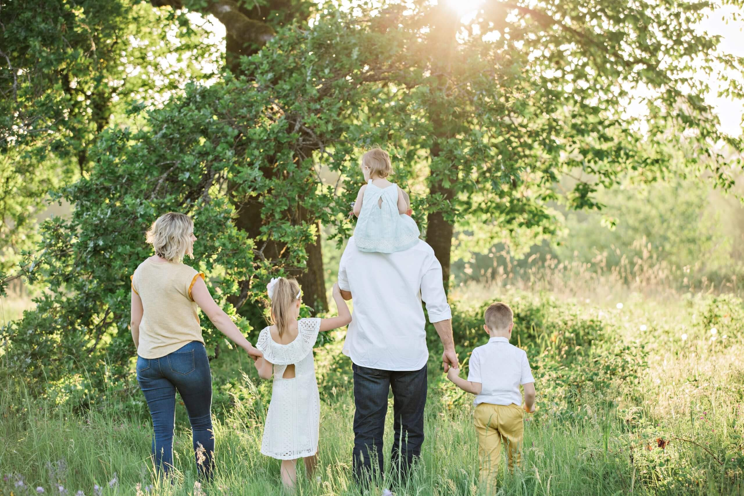 10 tips on being an eco-friendly family!